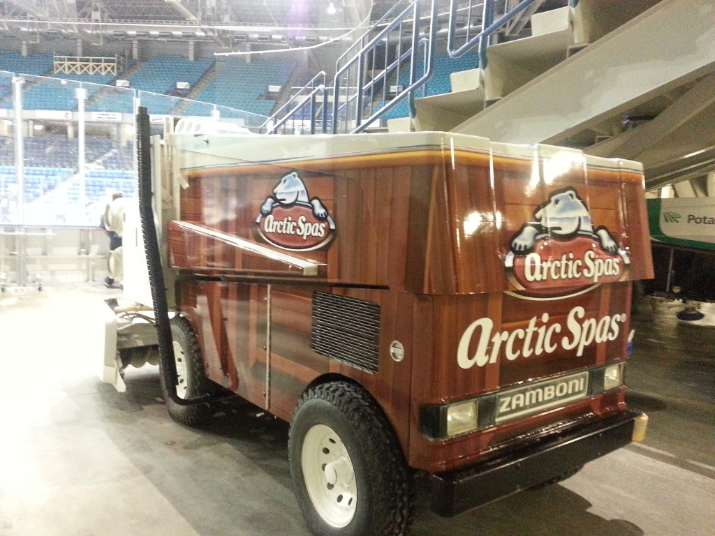 arctic-hot-tub-zamboni-2