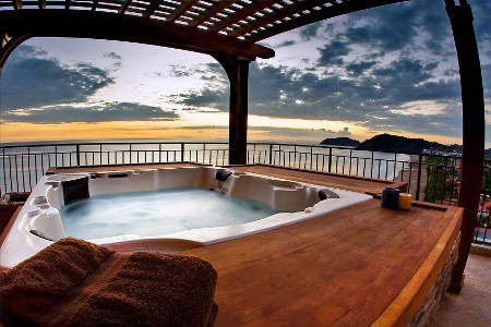 private build in hot tub